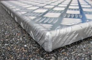 Angle capot aluminium Alistep